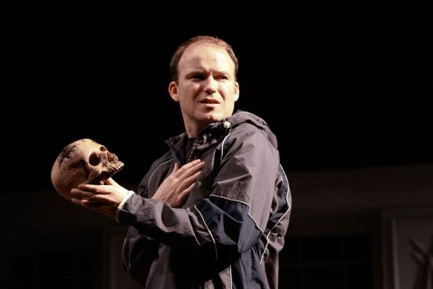 Rory Kinnear in Hamlet