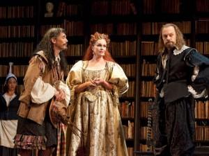 Mark Rylance, Joanna Lumley and David Hyde Pierce in La Bête