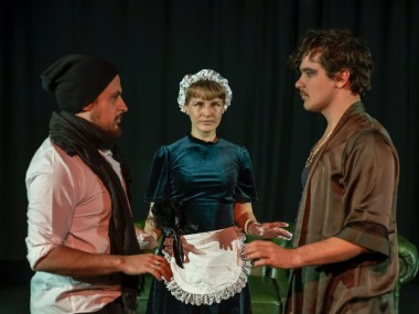 Louis Pottier-Arniaud, Rea Cornér and Duncan Rowe in The Importance of Being Earnest. Photo: Pozi Poyraz Saroglu