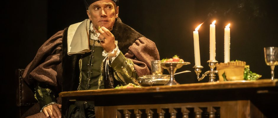 The Mirror and the Light, Gielgud Theatre